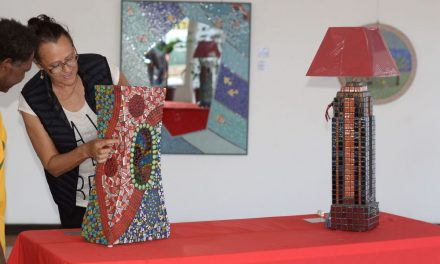 Promoting mosaic art in Vanuatu