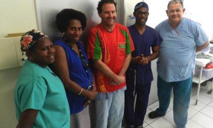 Australian and ni-Vanuatu plastic and reconstructive surgeons improve lives