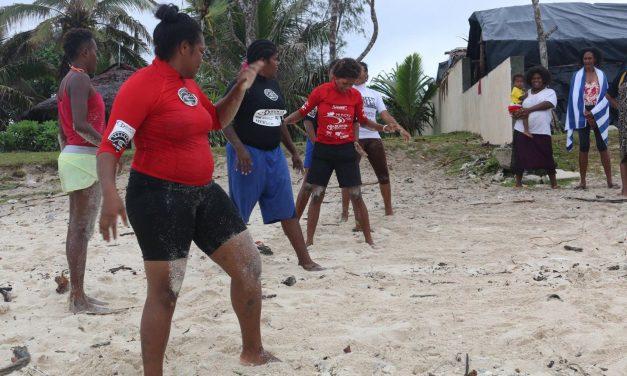 Vanuatu Cricket meets Solwota Sista to take to the waves