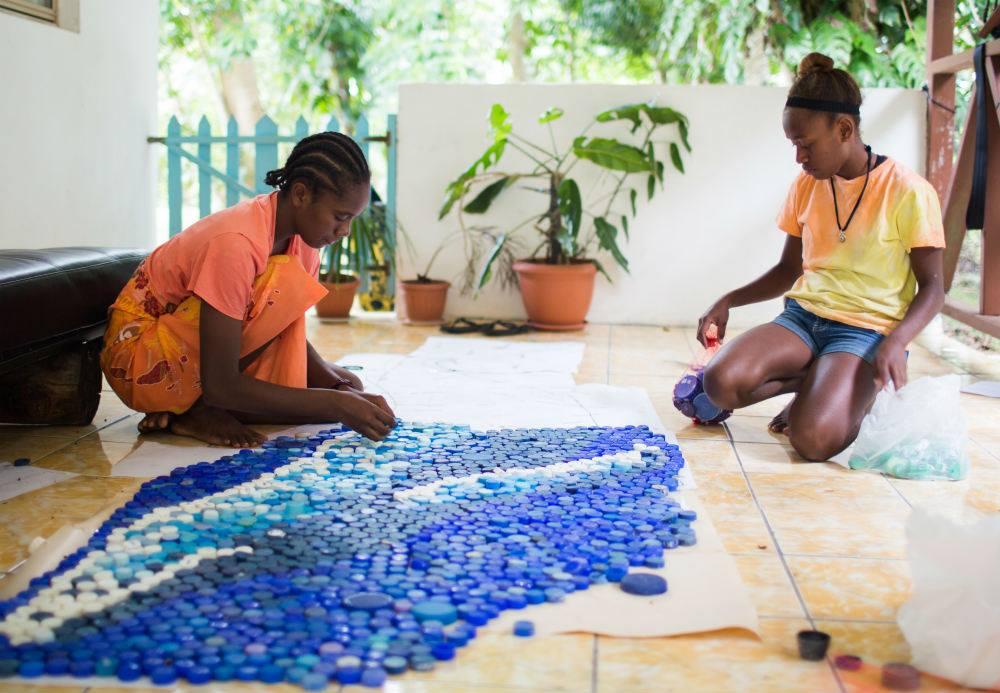 sik-plastik-art-exhibition-vanuatu