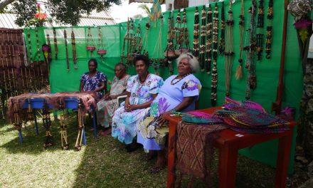 Maewo Banganvanua in Vila to make artifacts sale