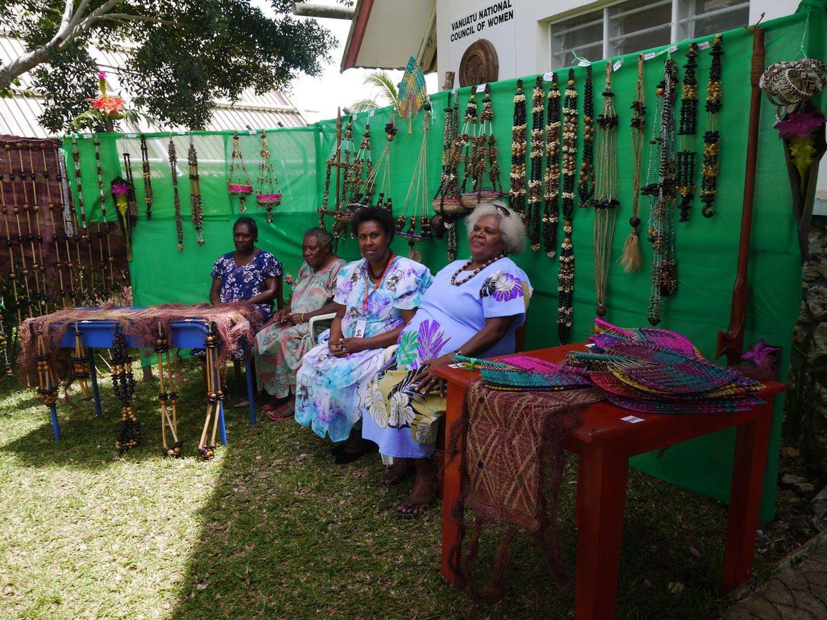 maewo-women