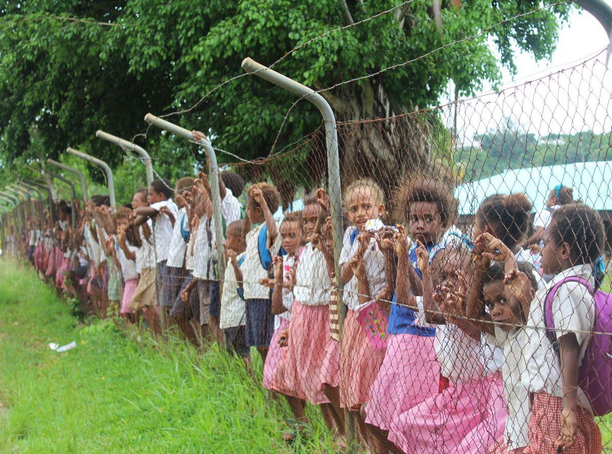 ni-vanuatu-children-school