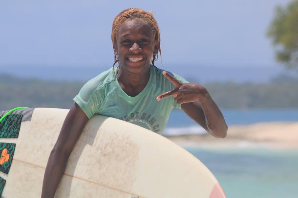 surfing-solwota-sista-vanuatu