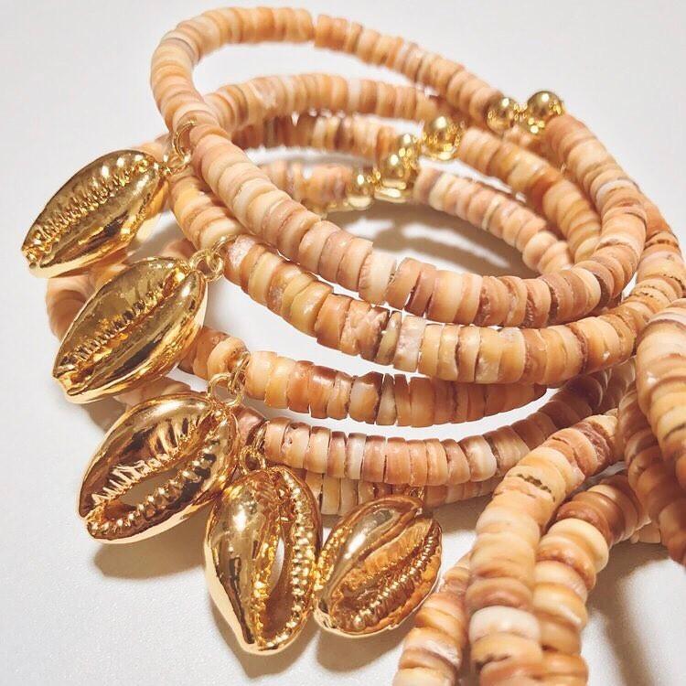golden-cowrie-solomon-islands-jewellery
