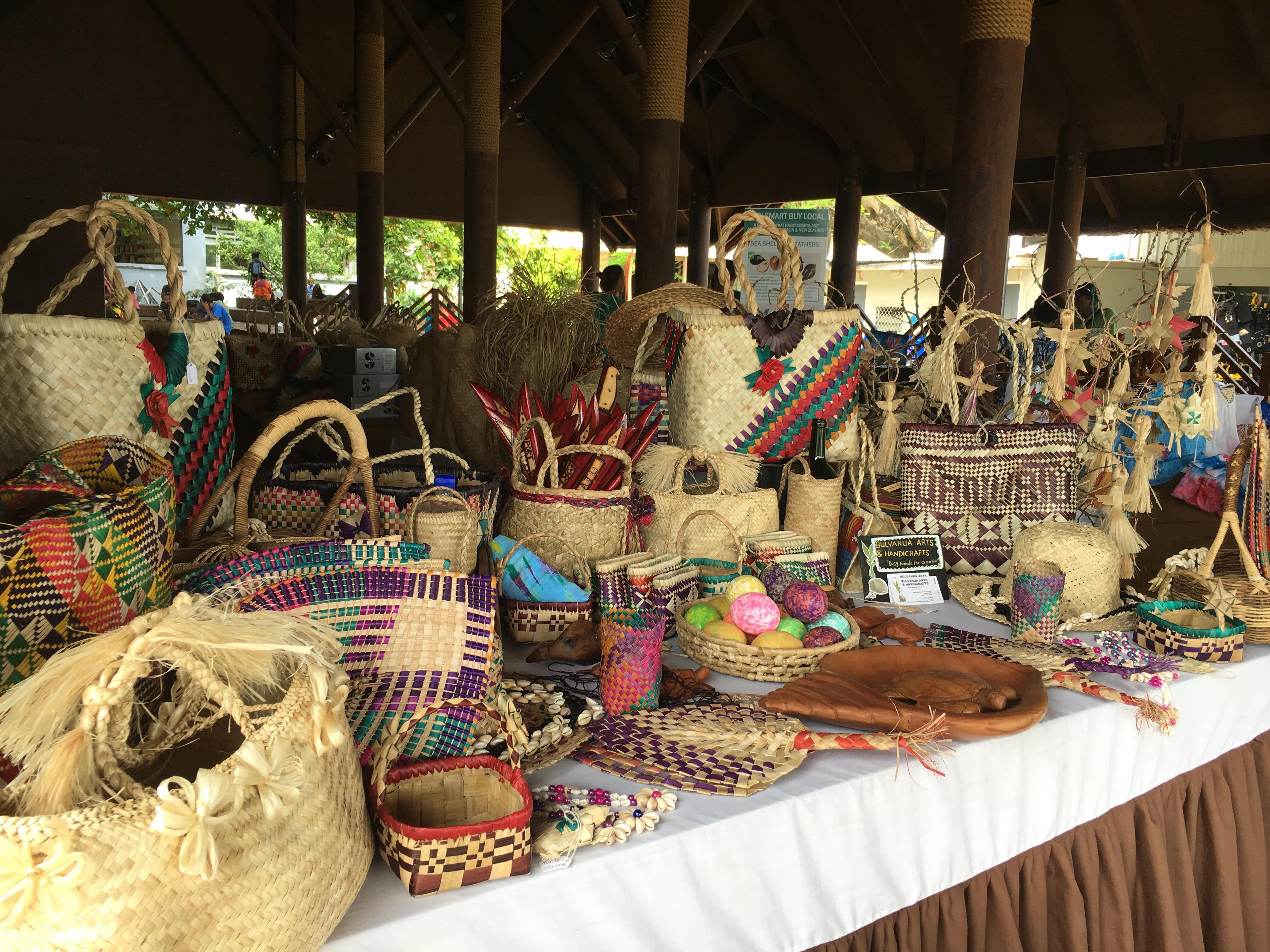 seafront-handicraft-market-vanuatu