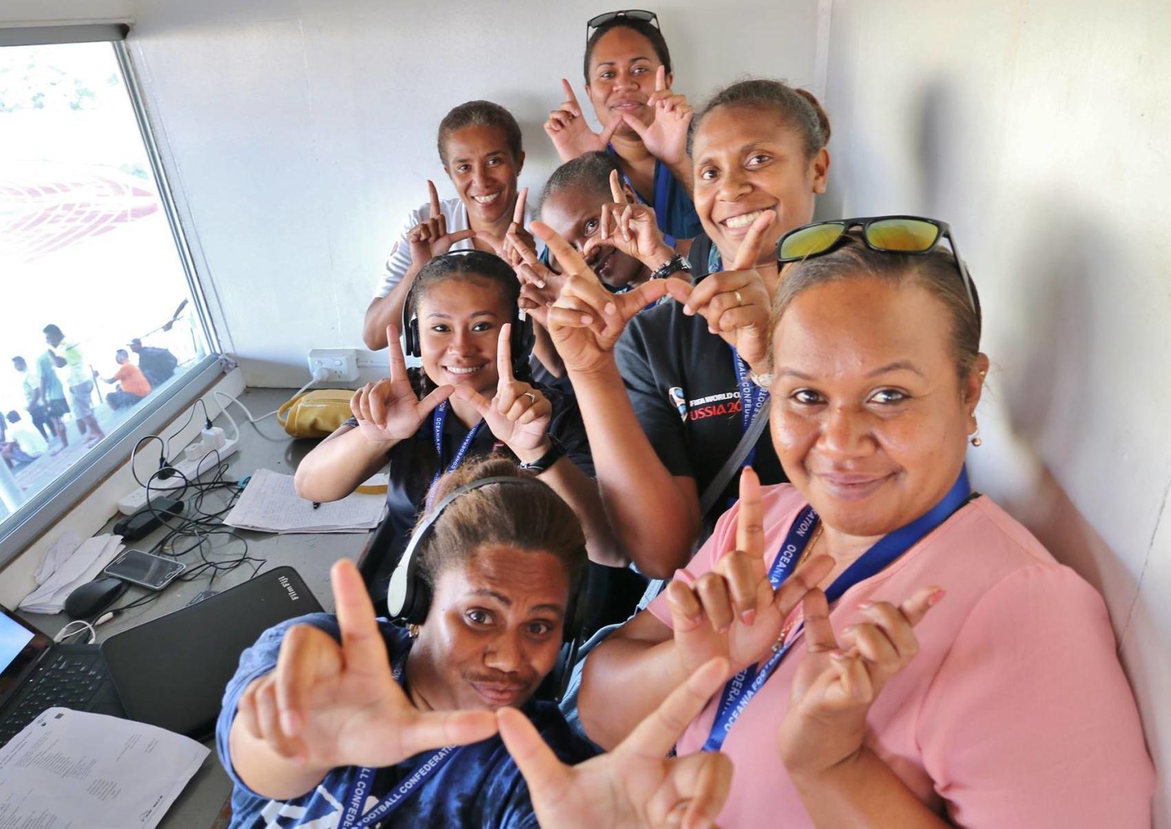 ni-vanuatu-women-broadcasters