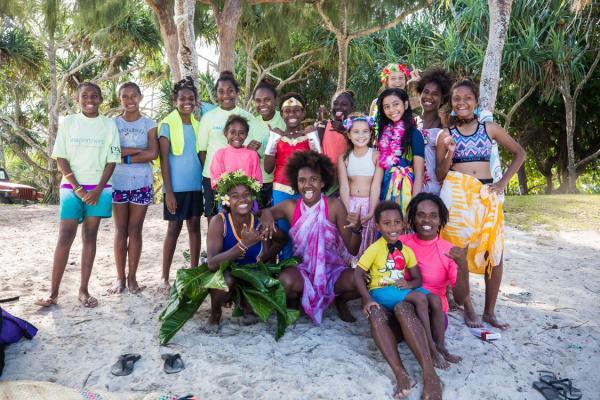 solwota-sista-vanuatu-girls-surf