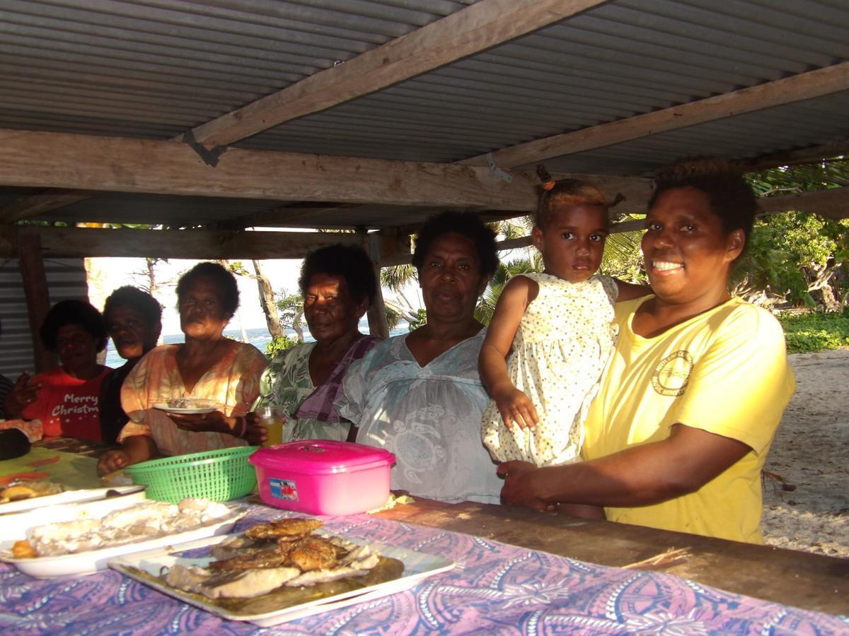 Launamoa-women-vanuatu