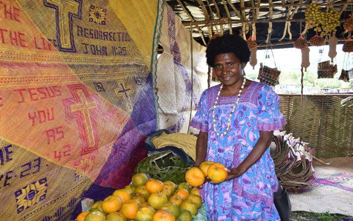 female-nivanautu-farmers