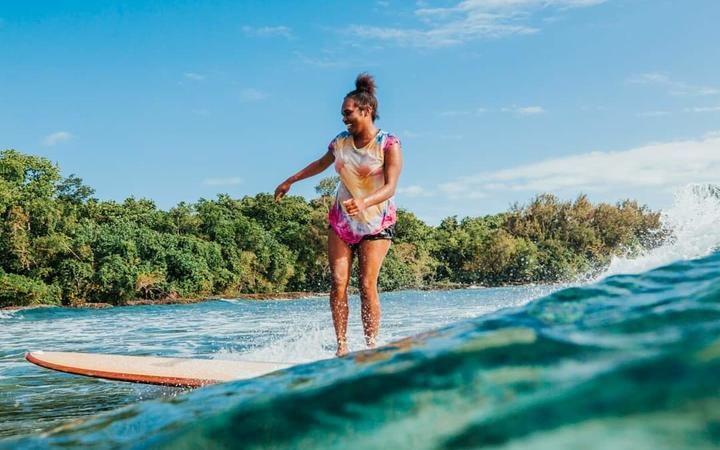breaking-waves-for-girls-in-vanuatu